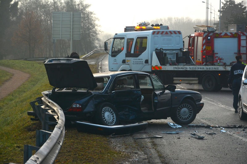 ACCIDENT_CHARNAY_ROUTE_CLUNY1.jpg