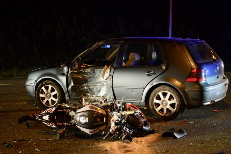 ACCIDENT MOTO VOITURE LOCHE - 4.jpg