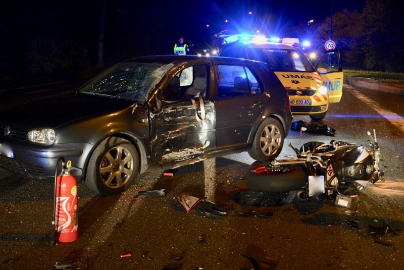 ACCIDENT MOTO VOITURE LOCHE - 5.jpg