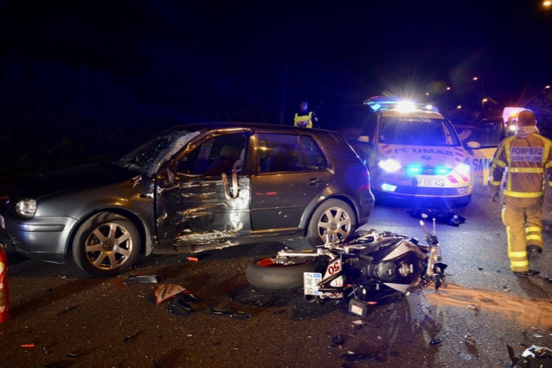 ACCIDENT MOTO VOITURE LOCHE - 6.jpg