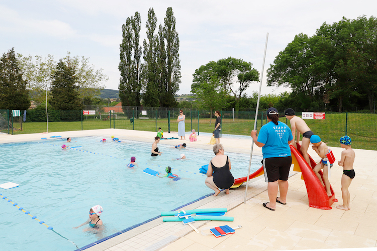 CLUNY ouverture piscine 1.jpg