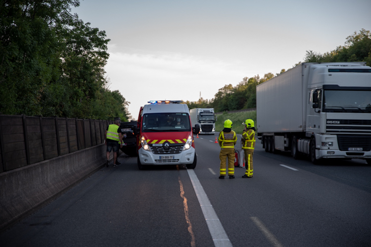 FAITS DIVERS accident A6 sance 1.jpg