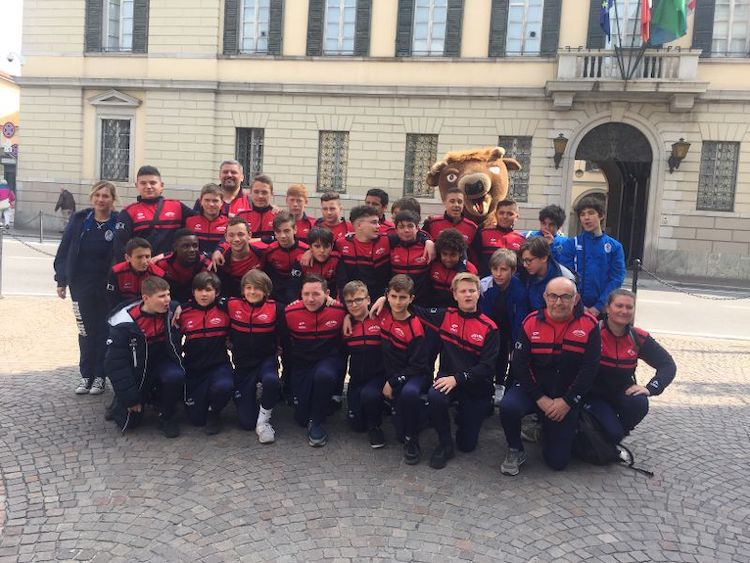 RUGBY jeunes lecco.jpg