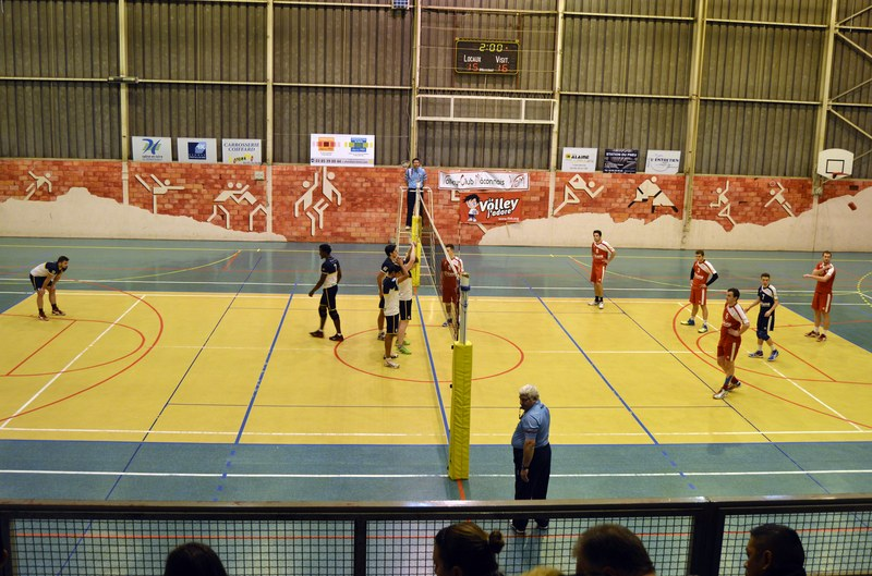 VOLLEY05DEC13.jpg