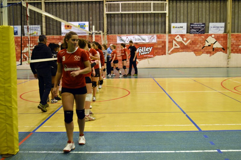 VOLLEY05DEC33.jpg