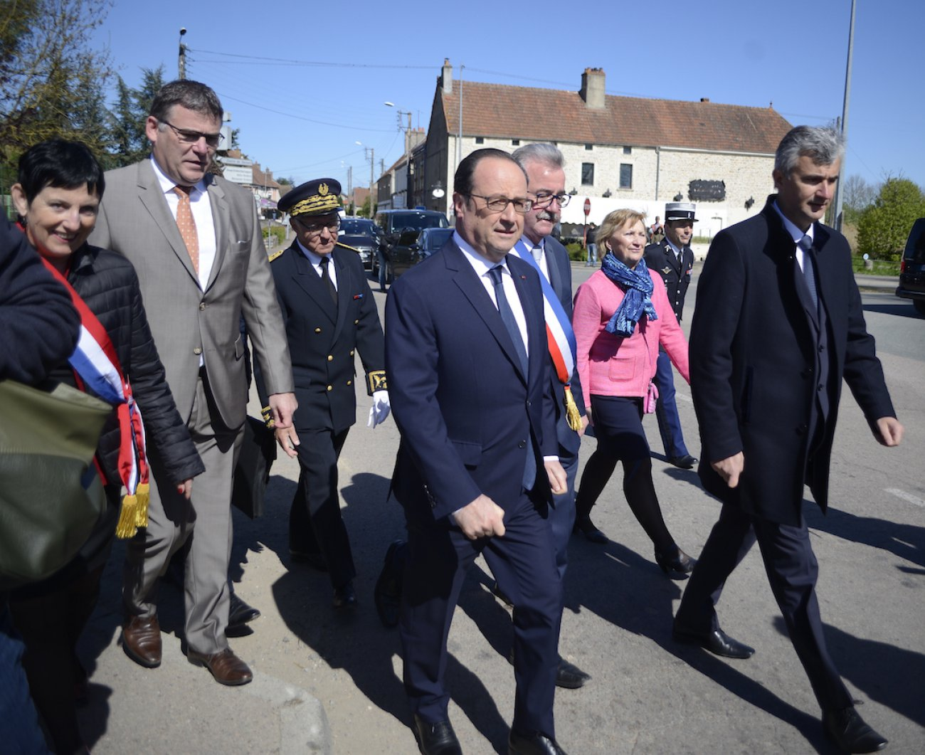 montchanin-la-visite-de-francois-hollande-en-photos-76822.jpg