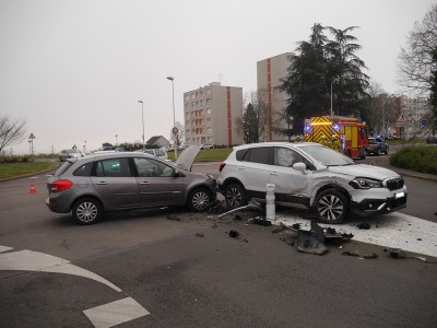 Accident_Mâcon_Chemin_4_pilles_06022021_0003.jpg